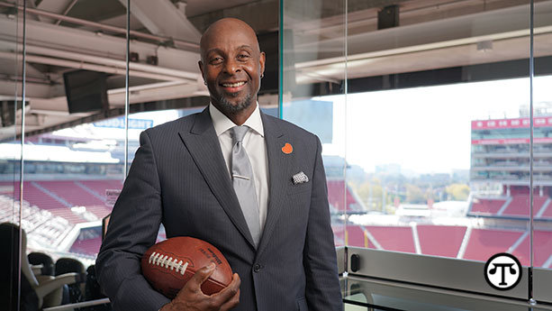 Football icon Jerry Rice is working with the    National Kidney Foundation to promote kidney health
